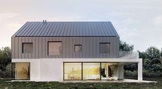 Moomoo architects - l house / łódź. Modern Wooden House, Small Modern House Plans, Modern Barn House, Modern House Design, Modern Architecture Design, Residential Architecture, Arch Building, Building A House, Bungalow Extensions
