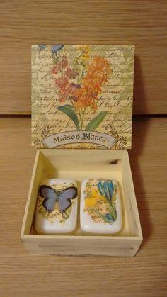 caixa decorada com sabonetes                                                                                                                                                     Mais