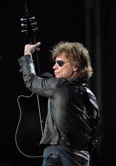 Bon Jovi Performing | Jon Bon Jovi in Bon Jovi Performs In Wellington - Zimbio