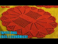 TAPETE OVAL SUPER ECONÔMICO E RÁPIDO DE FAZER #UlissesBalder - YouTube Crochet Doily Patterns, Crochet Designs, Crochet Dolls, Crochet Hats, Crochet Table Mat, Crochet Videos, Doilies, Diy And Crafts, Blanket