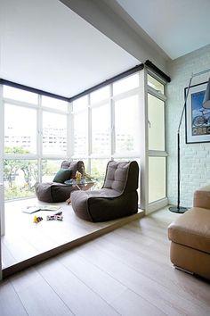 Artificial grass home decor singapore creative for Hdb balcony design