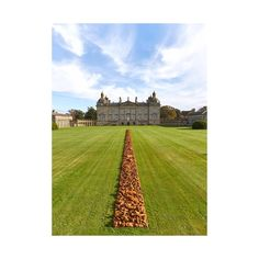 One of Richard Long's new pieces for EARTH SKY opening at Houghton 30th April. Curated by Lorcan O'Neill @gallerialorcanoneill. Visit Houghtonhall.com for more info! #EARTHSKY #houghtonhall #art #sculpture #contemporaryart #richardlong #exhibition #richardlongathoughton