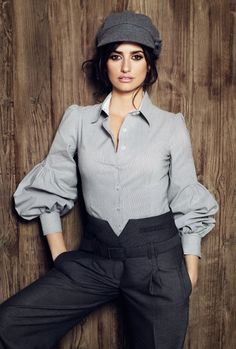 Penelope Cruz- tomboy chic love the blouse Penelope Cruz, Tomboy Chic, Tomboy Fashion, Girl Fashion, Mode Masculine, Moda Vintage, Passion For Fashion, Style Me, Womens Fashion