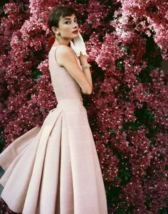 Audrey Hepburn Pictures and Photos - Getty Images Hollywood Icons, Hollywood Glamour, Classic Hollywood, Audrey Hepburn Pictures, Audrey Hepburn Style, Fair Lady, British Actresses, Mannequins, Retro