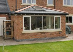 cosy Garden room Solid R - gardenroom Tiled Conservatory Roof, Orangery Roof, Conservatory Extension, Conservatory Ideas, House Extension Design, Glass Extension, Roof Extension, Extension Ideas, Pergola Plans