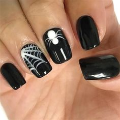 Are you looking for easy Halloween nail art designs for October for Halloween party? See our collection full of easy Halloween nail art designs ideas and get inspired! Cute Halloween Nails, Halloween Nail Designs, Fall Nail Designs, Simple Nail Designs, Spooky Halloween, Halloween Party, Holloween Nails, Halloween Costumes, Halloween Acrylic Nails
