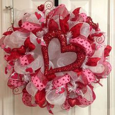 valentines day hot pink red and white deco mesh wreath with jumbo glitter heart