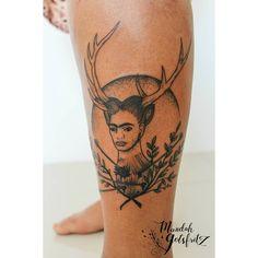 Depois de ter me abandonado por um tempo a querida Júlia Garcia voltooooou hahaha <3 e veio com essa lindeza de Frida que amo! (e mais outra lindinha que vou postar depois <3) Sempre quis fazer a minha releitura dessa obra linda. Obrigada pela confiança sempre, flor! . . . #fridaart #fridakahlo #fridatattoo #fridakahlotattoo #tattoo #tatuagem #dotworkers #dotworktattoo #salvador #tattoobahia #ink #inked #art #originalart