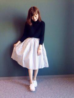 RANDA 本社 nishiさんのスカート「ストライプボリュームフレアスカート(RANDA ランダ)」を使ったコーディネート