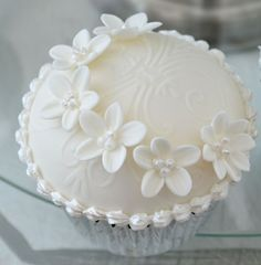 Wedding cupcake white