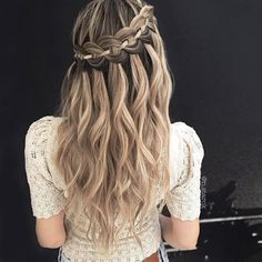 39 Trendy + Messy & Chic Braided Hairstyles – The 4-Strand Waterfall Braid #braids #hairstyles #braid #uniquehairstyles