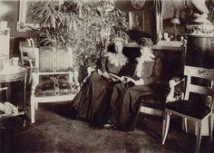 Two famed beauties: Grand Duchess Elizaveta Fyodorovna and her close friend Princess Zinaida Nikolaevna Yusupova
