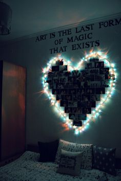 Dorm Room Inspiration - Whether, if you're living in a dorm you've probably come across the challenge of decorating the tiny, character-free space. Cute Room Decor, Teen Room Decor, Wall Decor, Diy Bedroom Decor For Teens, Diy Room Decor Tumblr, Diy Wall, Teen Bedroom Decorations, Quirky Bedroom, Teenage Room Decor