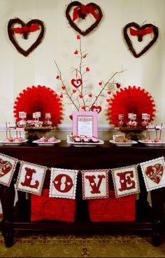 Red Valentine's Day table setting idea