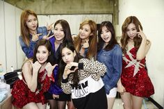 150324 Backstage at SMTOWN World Tour IV in Taiwan SNSD