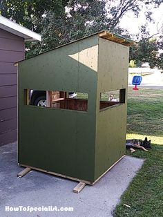 This step by step woodworking project is about free deer blind plans. I had several requests on building a deer blind, so I decided to create free plans. This deer box frame is made from lumber. Diy Furniture Projects, Woodworking Projects Diy, Diy Projects, Whitetail Hunting, Coyote Hunting, Pheasant Hunting, Archery Hunting, Hunting Stands, Deer Stands