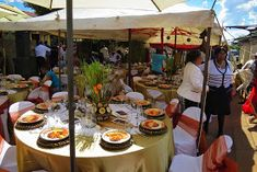 Paballo's world: Mr & Mrs Nxumalo - Traditional Wedding Traditional African Clothing, Tent Decorations, Mr Mrs, Traditional Wedding, Table Settings, Beautiful, Brides, Collections, Place Settings