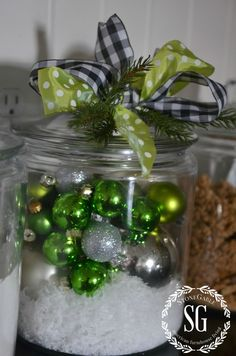 christmas balls in big jar Cottage Christmas, Christmas Kitchen, Winter Christmas, All Things Christmas, Christmas Home, Christmas Crafts, Christmas Decorations, Christmas Ornaments, Christmas Ideas