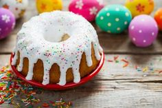 Ciaramicola: la ricetta del soffice dolce pasquale tipico di Perugia Doughnut, Cheesecake, Desserts, Food, Estate, Biscotti, Vegan Food, Vegans, Spring