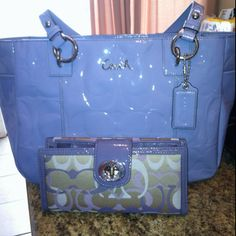 New coach purse and wallet .. Love it!