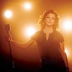 T O N I G H T // @martinamcbride at the Ryman! Doors 7pm / @iammaggierose 8pm / @laurenalaina 830pm / Martina 930pm // Café Lula will be open for pre-show dinner + drinks / Valet parking will be available!