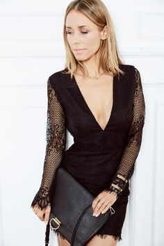 "BEAUTY IN BLACK ! ABOUT YOU Idol Annemarie Carpendale zeigt uns ihr liebstes ""kleines Schwarze"". Jetzt den Alltime-Klassiker bei www.aboutyou.de shoppen!"