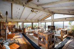 """""""Vetrina Di Bellezza"""" Remote Napa Valley Home"""