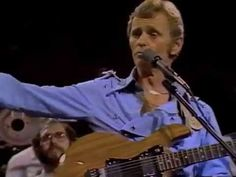 Jerry Reed 'Eastbound and Down' live in 1982 Jerry Reed, Austin City Limits, The Last Song, Desert Island, Country Songs, Album Covers, My Music, Plays, Music Videos