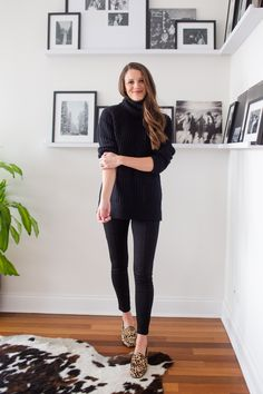 16 Cute and Cozy Thanksgiving Outfit Ideas - The Golden Girl Do you know what you're wearing on Thanksgiving yet? Read this post for 16 casual Thanksgiving outfit ideas. Wearing All Black, All Black Outfit, Architecture Design, Best Leather Jackets, Christmas Party Outfits, Batman Outfits, Friend Outfits, Couple Outfits, Thanksgiving Outfit
