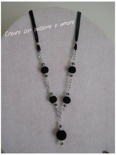 Collana con perle ad uncinetto by https://www.facebook.com/CreareconpassioneeamoreCreazioni/ … … … … … … … … … #crochet #handmade #necklace #jewelry