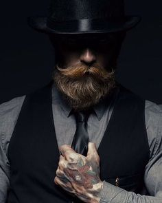 231 отметок «Нравится», 5 комментариев — Groom Keepers  (@groomkeepers) в Instagram: «Class  #BeardPerDiem #146 #GroomKeepers #DailyBeard #beardoil #beard #mensgrooming #gentlemen…»