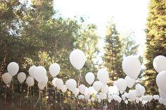 Decoración ceremonia praa boda al aire libre con globos