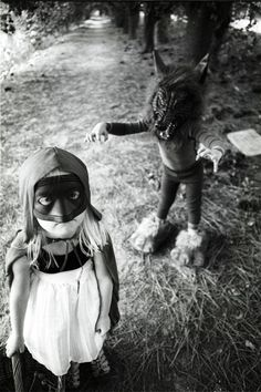 Looks like the Big Bad Wolf is going to get his butt kicked by Little Red Riding Hood Old Photos, Vintage Photos, She Wolf, Black White, Pics Art, Red Riding Hood, Vintage Halloween, Halloween Stuff, Halloween Costumes