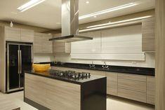 Resultado de imagem para imagens de cozinhas com eletrodomesticos de inox