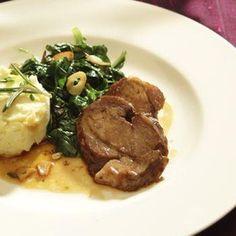 Recept: Jehněčí kýta na rozmarýnu se špenátem   iGurmet.cz Cooking Tips, Mashed Potatoes, Pork, Beef, Ethnic Recipes, Image, Whipped Potatoes, Kale Stir Fry, Meat