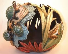 LOVE THE TURTLES!! Fantastic!  This person needs to be teaching.  I would love to make this .  Lynn, are you with a local gourd society.  What state do you live in.