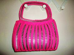 Items similar to Medium-Sized Pink Pop Tab Purse on Etsy Soda Tab Crafts, Can Tab Crafts, Pop Top Crafts, Pop Tab Purse, Pop Can Tabs, Soda Tabs, Creative Arts And Crafts, Pop Cans, Art Bag