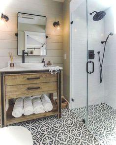 Adorable 99+ Luxury Black and White Bathroom Ideas https://lovelyving.com/2017/12/17/99-luxury-black-white-bathroom-ideas/
