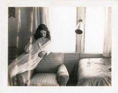 Guy Bourdin soft polaroïds of interiors and women..