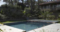 Une terrasse coulissante pour la piscine | Piscines Carré Bleu