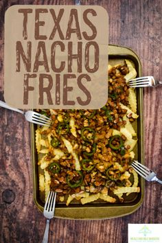 Texas Nacho Fries (Vegan) – Meals and Mile Markers Vegan Meals, Vegetarian Recipes, Healthy Recipes, Vegan Food, Healthy Dishes, Vegan Dishes, Nacho Fries, Vegan Barbecue, Vegan Nachos