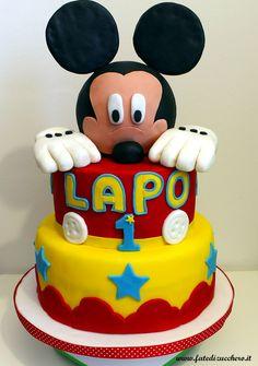 Torta Topolino: formato XXL., con topper e decorazioni interamente modellati a mano, senza stampini