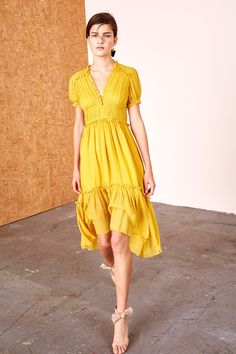 See the complete Ulla Johnson Pre-Fall 2017 collection.