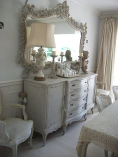 Full Bloom Cottage - Lovely shabby sideboard with fabulous mirror! Decoration Shabby, Shabby Chic Decor, Vintage Decor, Vintage Clocks, Vintage Style, Living Vintage, Boho Home, French Cottage, French Country