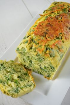 Cake a l'ail des ours Cake a l des ours+ Easy Meals For Kids, Kids Meals, Couscous Salat Vegan, Lunch Recipes, Cooking Recipes, Wild Garlic, Avocado Salat, Kraut, Entrees