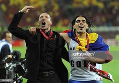 Radamel Falcao of Atletico Madrid celebrates with Coach Diego Simeone at the end of the UEFA Europa League Final between Atletico Madrid and Athletic. Chelsea Fc News, Carlos Valderrama, Transfer Rumours, Europa League, Ronald Mcdonald, Spanish, Barcelona, Football, Celebrities