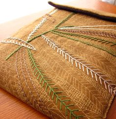 Awesome fabric and stitching combo. I want couch pillows like this! Ribbon Embroidery, Embroidery Stitches, Ipad Sleeve, Blanket Stitch, Running Stitch, Stitch Design, Chain Stitch, Hand Stitching, Couture