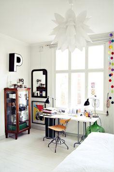 Biały, czarny i odrobina kolorów