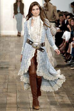 Ralph Lauren Spring 2011 Ready-to-Wear Collection - Vogue Boho Fashion, Fashion Show, Womens Fashion, Fashion Design, Cowgirl Fashion, Western Chic, Western Wear, Hippy Chic, Ralph Lauren Style