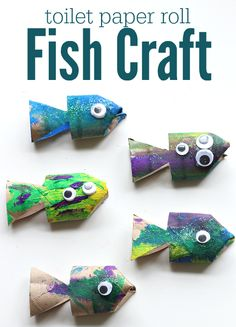 Sparkly fish craft for preschoolers! Create cute and colorful fish with your kids using recycle cardboard rolls, paint, glue, glitter, and googly eyes.